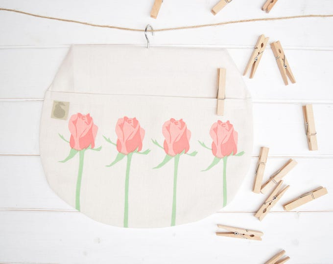 Pink roses peg bag in organic cotton. Clothes pin bag.