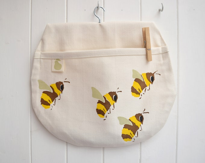 PearPrint peg bag in natural organic cotton with bumble bees. Save the bees! Clothes pin bag.