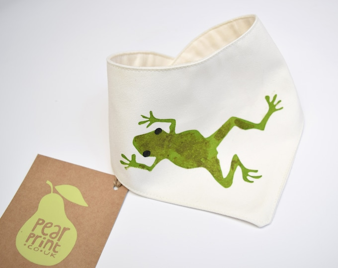 Baby bandana bib with a frog print in organic cotton. Teething drool bib. Wildlife baby gift.