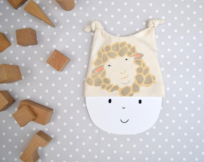 Sheep baby hat in organic cotton.