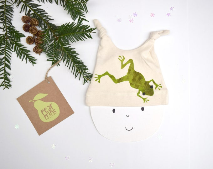 Baby hat with a frog print in organic cotton. New baby gift. Garden frog. Wildlife baby gift.