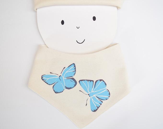 Baby bandana bib with blue butterflies print in organic cotton. Teething drool bib. Wildlife baby gift.