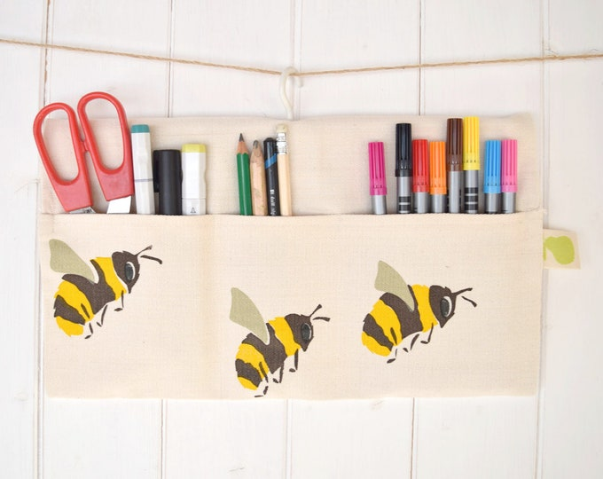 Hanging storage bag in organic cotton with bumble bees. Save the bees! Desk tidy.