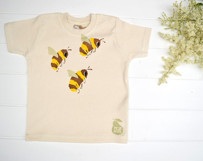 Baby t-shirt in organic cotton with bumble bees. Baby boy or baby girl gift. Save the bees!