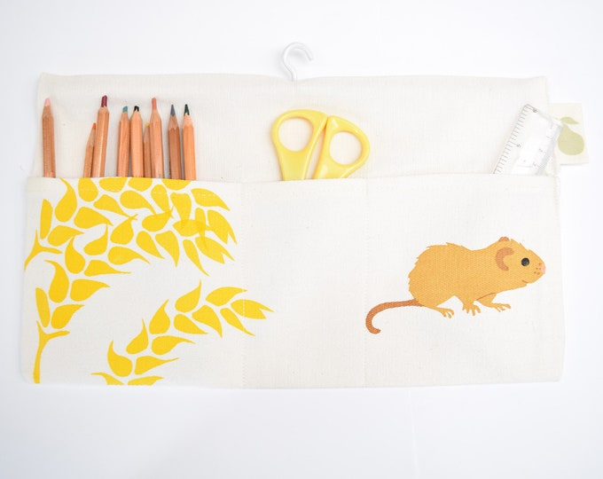 Hanging storage bag in organic cotton with dormouse and wheat. Desk tidy / organiser