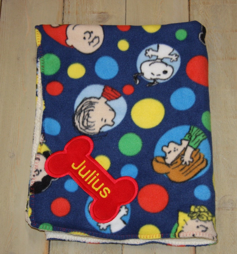 431d0973d7 REVERSIBLE SNOOPY dog Blanket Personalized Dog Blanket PEANUTS Blanket  Charlie Brown Blanket Embroidered dog blanket puppy blanket custom