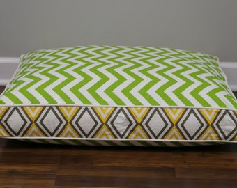 Handcrafted reversible dog bed. Size 30x24. Style: Green Zig Zag