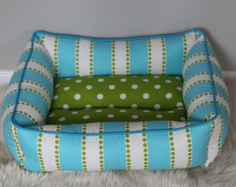 Reversible dog or cat bed. Made for your best friend. Style: Aqua and Green Lulu