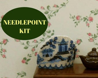 """1:12 Dollhouse tea cosy kit, Doll's house teacosy, Miniature needlepoint cross stitch blue and white Willow pattern teacosy, 1.2""""H, 32 ct"""