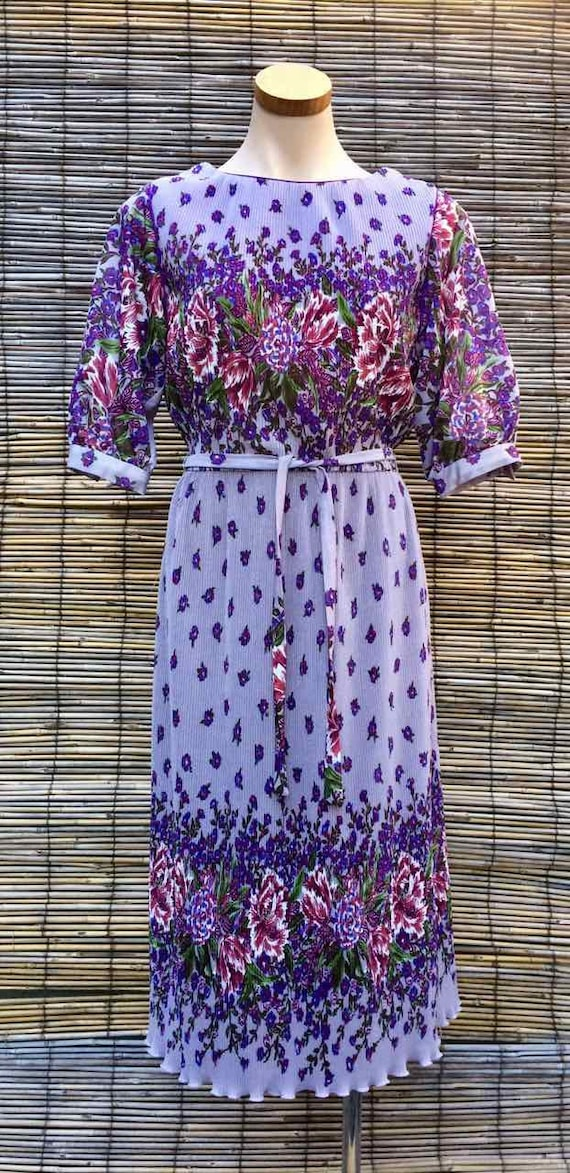 """Vintage 1980's dress with belt - label """"Young Edwa"""