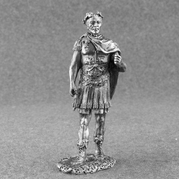 Miniature Toy Soldiers Gaius Julius Caesar 1//32 Hand Painted Figurine Metal 54mm