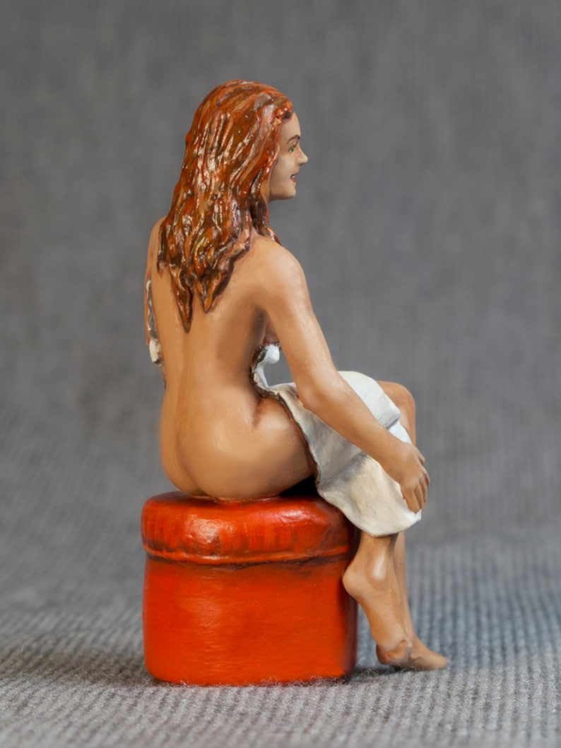 Vintage Statue Of Naked Woman Posing Carrying Water Pot Figurine