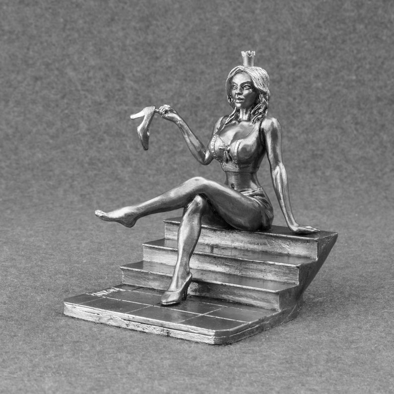 Cinderella 1/24 Scale Unpainted 75mm Tin High Quality Metal Girl Miniature  Gift
