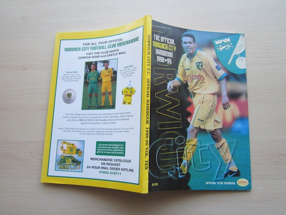 Valentine/'s Day Ideal Christmas Gift 1969-70 Norwich City Football Supporters Club Handbook Fathers Day Yearbook Birthday Present