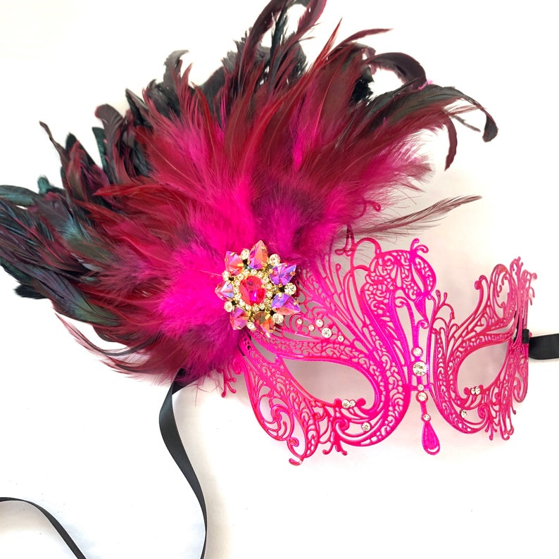 Hot pink masquerade women pink feather face masks parties image 0