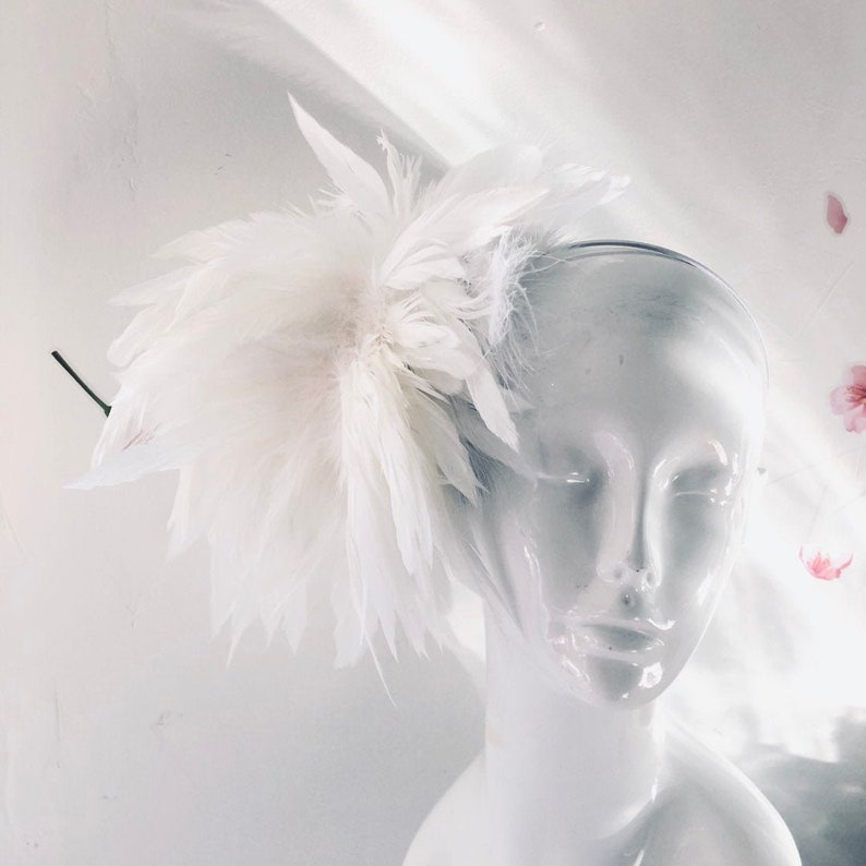 Diner en blanc White feather fascinator women white hat white image 0