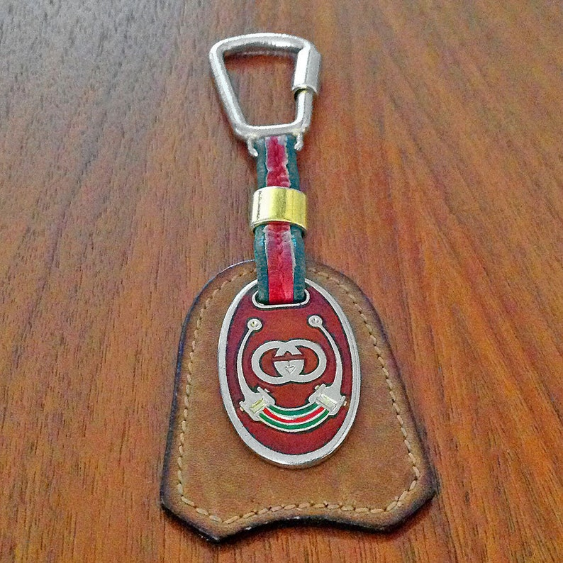 a7b0d2a091a Gucci Leather w GG Gold-Tone Enamel Logo Green   Red Key Ring