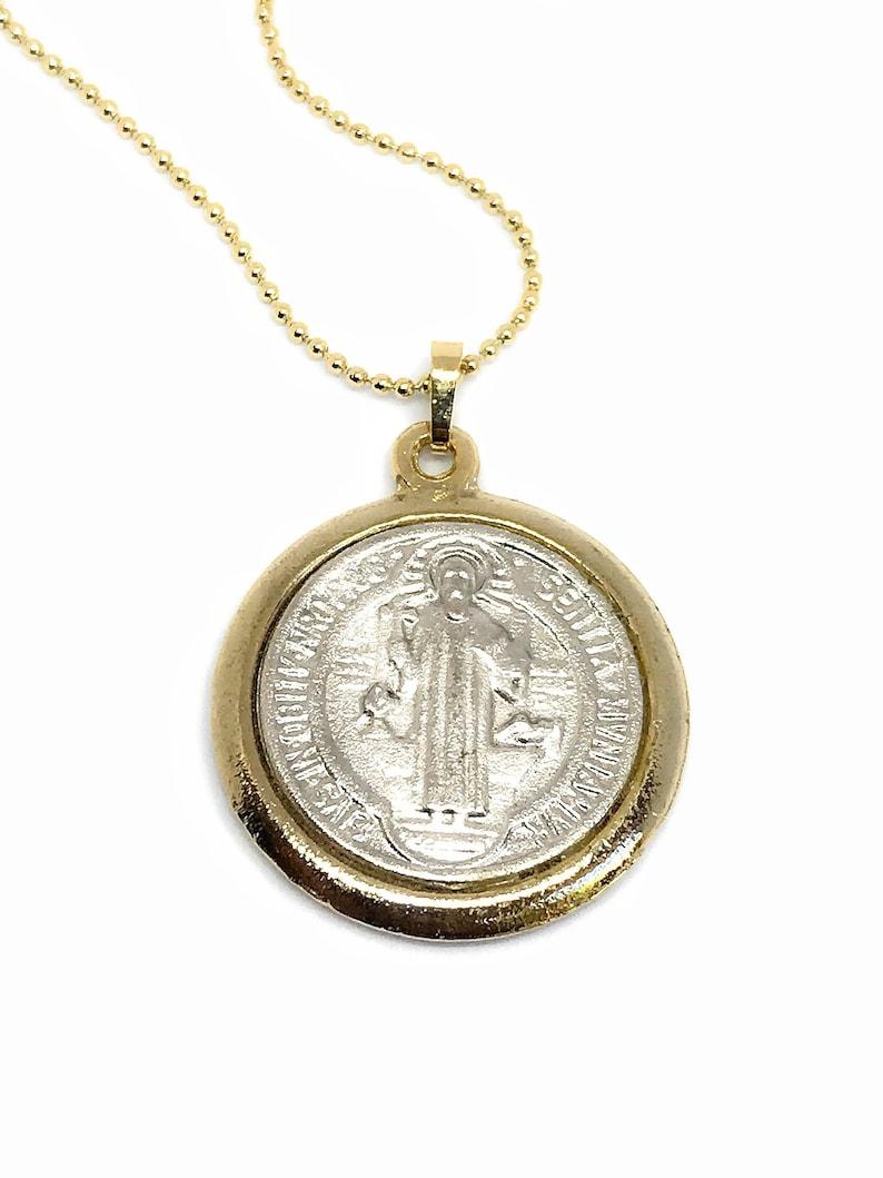 72c0cdd0129 Cadena con medalla de San Benito Oxidada en oro y plata