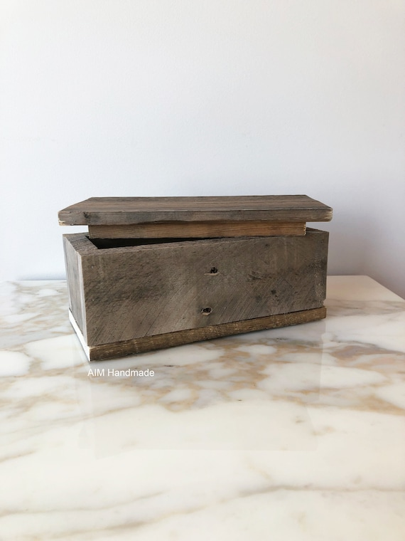 Box Modern Rustic, Salvaged Barn Wood Lidded Box, Desk Top Organization, Keepsake Photo Box, Remote Control Caddy, Handmade in BC, Canada.
