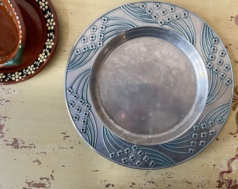 WILTON Armatale Art Deco Blossom Border Round Metal Charger Plate Serving Tray Oven to Table Vintage 1970s 1980s HTF Pattern USA