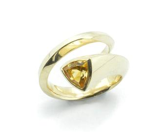 Trilliant ring