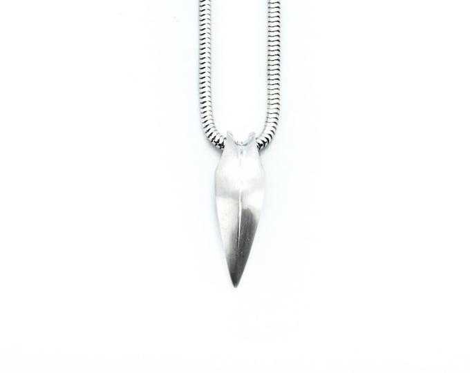 Talon pendant