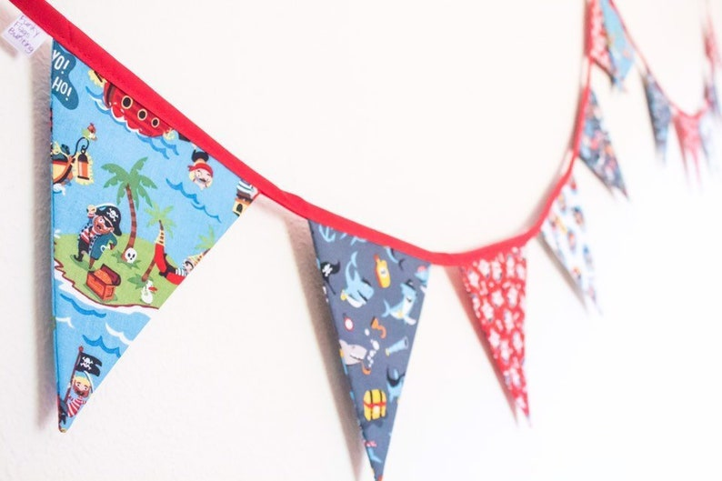 Pirate's Life Bunting children's party banner image 0