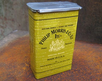 Philip Morris Cigarette Tin Box. Vintage tobacco advertising can, made in USA. Special blend. Collectible retro tobacciana container storage
