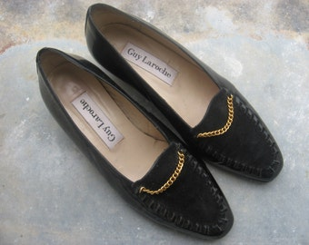 Guy Laroche Vintage Shoes from Paris, France. 1960s 70s Couture Designer, elegant black patent leather and suede. Women's size 36.5 EU.