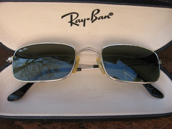 07ff90516d5797 Ray Ban Sunglasses with original hard shell case. Vintage   Etsy
