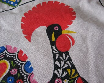 Rooster of Barcelos vintage table center piece. Portuguese good luck charm symbol. Legend of Portugal, traditional fork art. Cloth runner