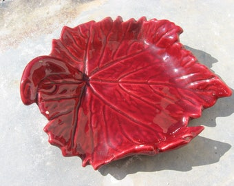 1950s FRENCH LEAF DISH for your wine lover.  Mid-century vintage Vallauris grape vine plate.