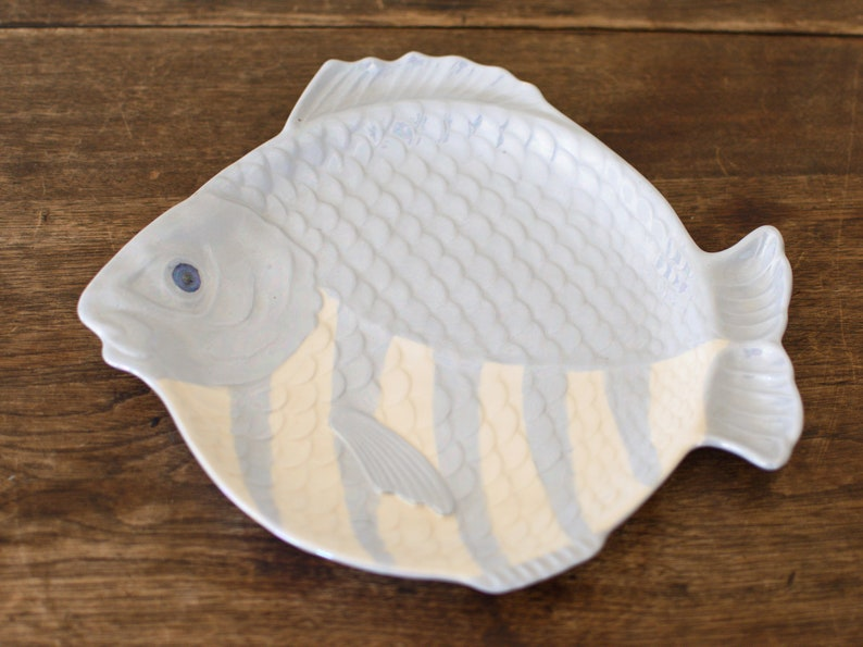 Vtg Holland Mold Blue & White Fish Dish Plate Pottery Ocean image 0