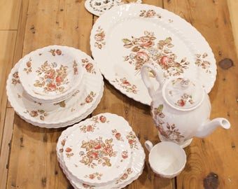 Johnson Brothers Staffordshire Bouquet Dinnerware Set, 4 pc place setting, Dinner Set Service for 4, Brown & White Ironstone English china