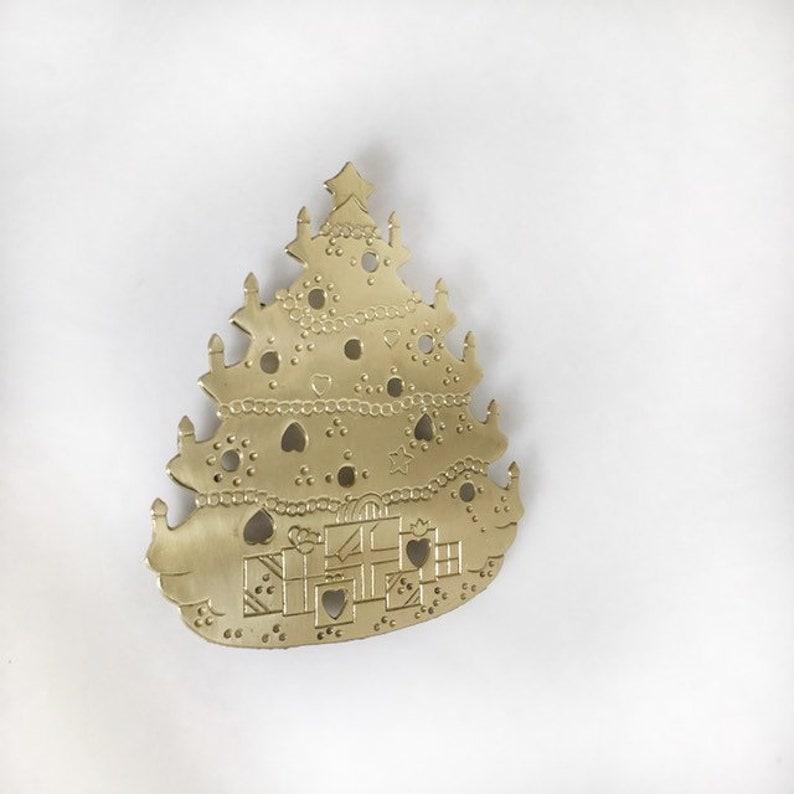Vintage Solid Brass Christmas Tree Trivet Holiday Home Decor image 0