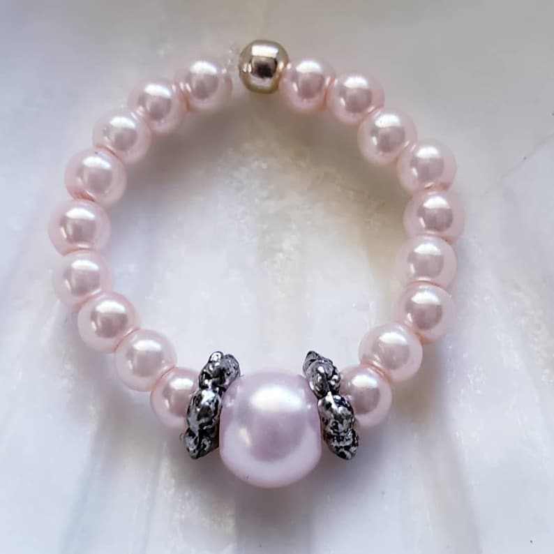 Beaded Stretch Ring / Toe Ring Seed Pearl image 0
