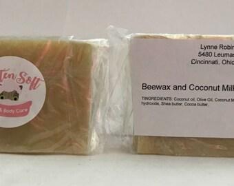 Beeswax and Coconut Milk Shampoo Bar