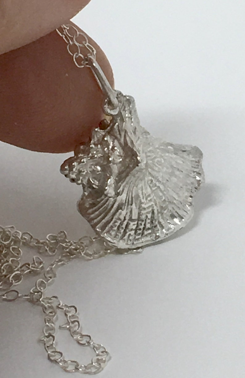 Boho Chic Necklace  . Silver Shell Necklace Silver shell pendant -Mermaid Necklace -Sea Shell Necklace -Beach Jewelry Beach Lover