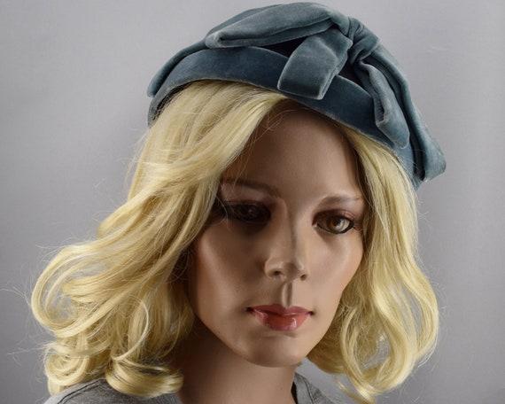 Soft Blue Gray Velvet & Satin Vintage 50s Cloche … - image 2