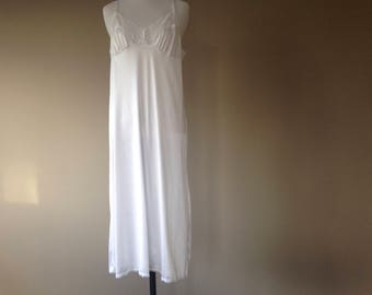 e800f656c1924 Vintage Full Slip Underdress Under Dress Slip