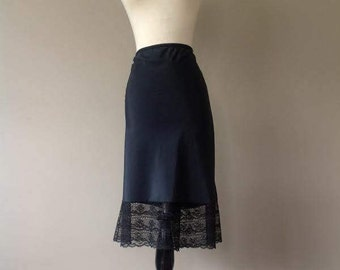 """L / Half Slip / Skirt Extender / Black Crepe Remarque with 6"""" 'Wide Lace / Vintage Lingerie by Barbizon / Large / FREE USA Shipping"""