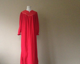 M / Long Fleece Velour Nightgown / Long Sleeve / Red / Vintage Sleepwear Lingerie / Medium