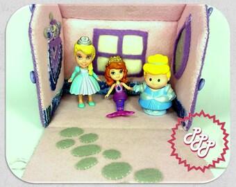 Carry Along Toy Felt Portable Dollhouse