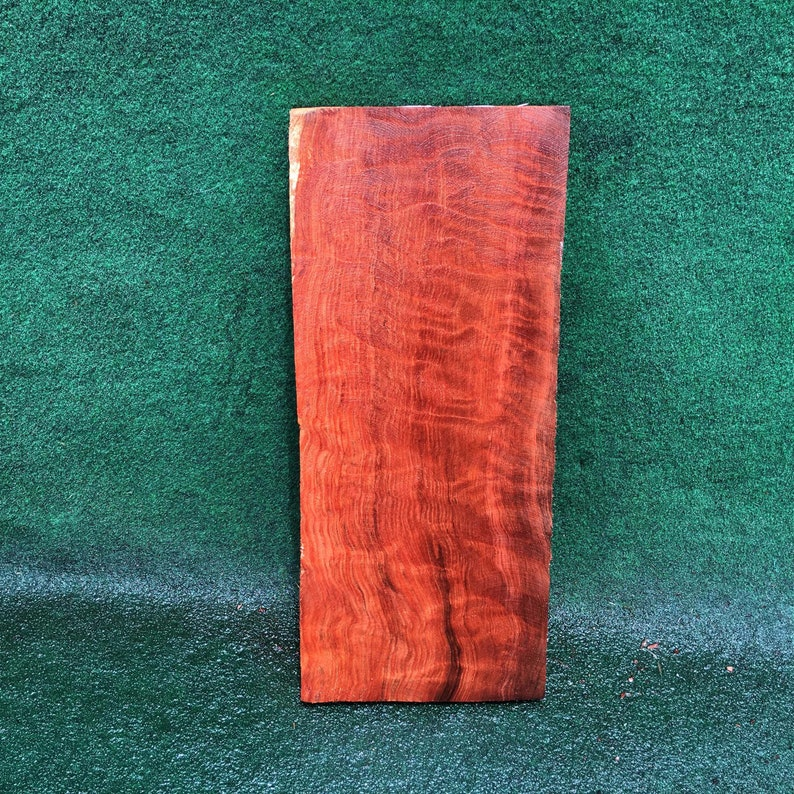 curly redwood Guitar body g2013 book match Luthier wood quilted