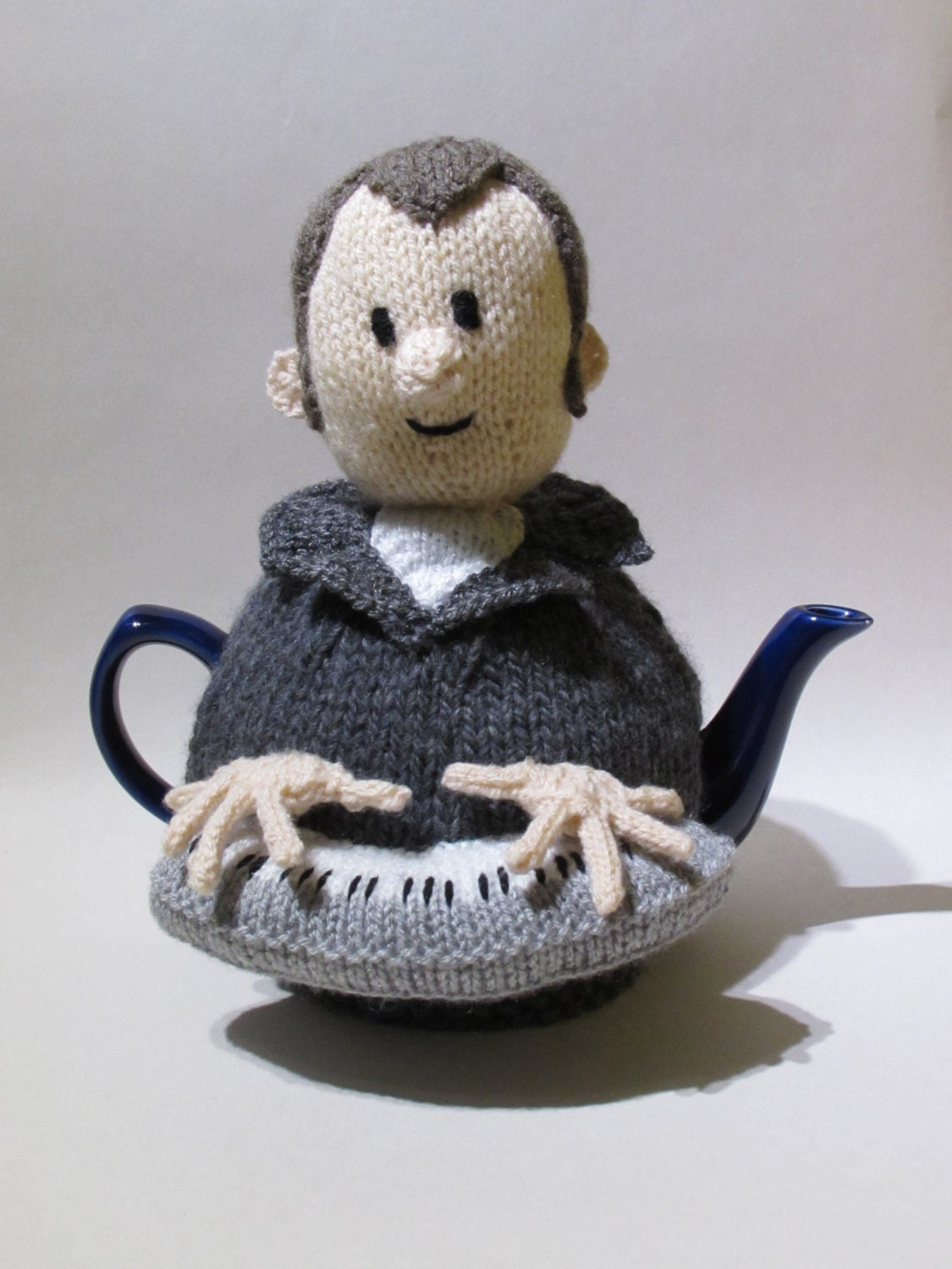 Music Man Tea Cosy Knitting Pattern from TeaCosyFolk on Etsy Studio