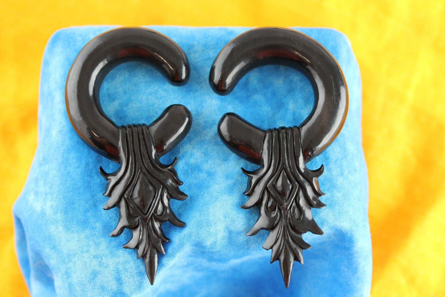 Stretched Ears Horn Hanging Earrings 1 2 Gauge 13 Mm Etsy