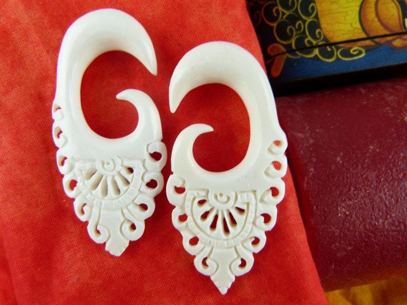 gauged Recycled Bone earrings 00g Handcrafted gauged earring C027 10mm Stretched Ears 10 mm stretch ears Bone 00 gauge earrings