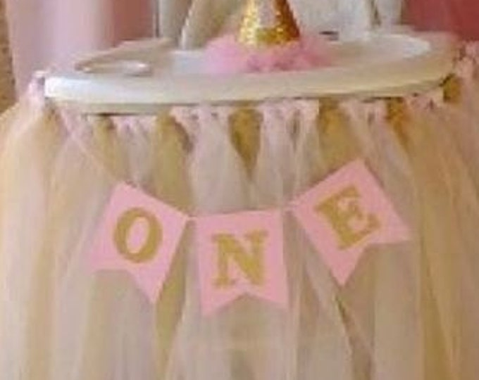 High Chair Banner Boy or Girl In Gold. First Birthday Banner, Pennant Banner, Glittered Gold or Silver, Custom colors