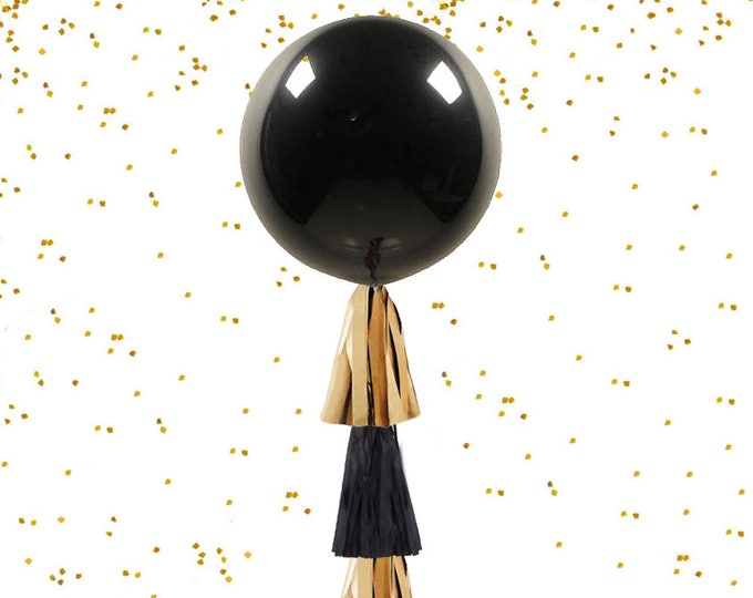 Gender Reveal Balloon Black and Gold Theme Gender Reveal Party Ideas, Gold Reveal Party, Holiday Gender Reveal