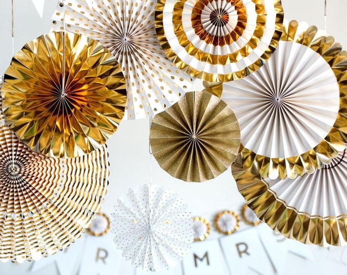 Gold rosettes, Birthday Decorations Gold Party Fans, Paper Pom Wheel  Backdrop, Paper Medallions, Foil Gold Pinwheel, Grad Decorations